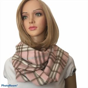 NWOT Burberry London pink cashmere scarf